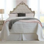 Antique White Traditional Twin Bed – Giselle