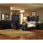 Black Classic 6-Piece California King Bed Bedroom Set – Torreon