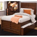 Classic Tobacco Brown Twin Panel Bed – Chelsea Square
