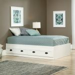 County Line Soft White Twin Platform Bed