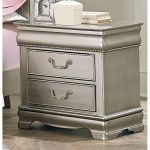 Jessica Silver Traditional 2-Drawer Nightstand