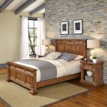 Natural Queen Bed and Nightstands – Americana