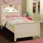 Shaker White LightHeaded Twin Bed