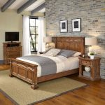 Vintage Natural King Bed, Nightstands & Media Chest – Americana
