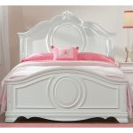 White Traditional Twin Bed – Jessica